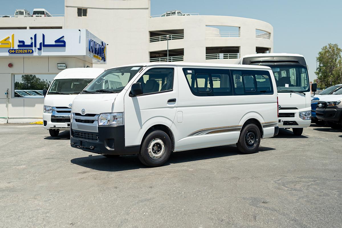 Toyota Hiace Standard Roof 15 Seater 2.5L Diesel Manual Transmission
