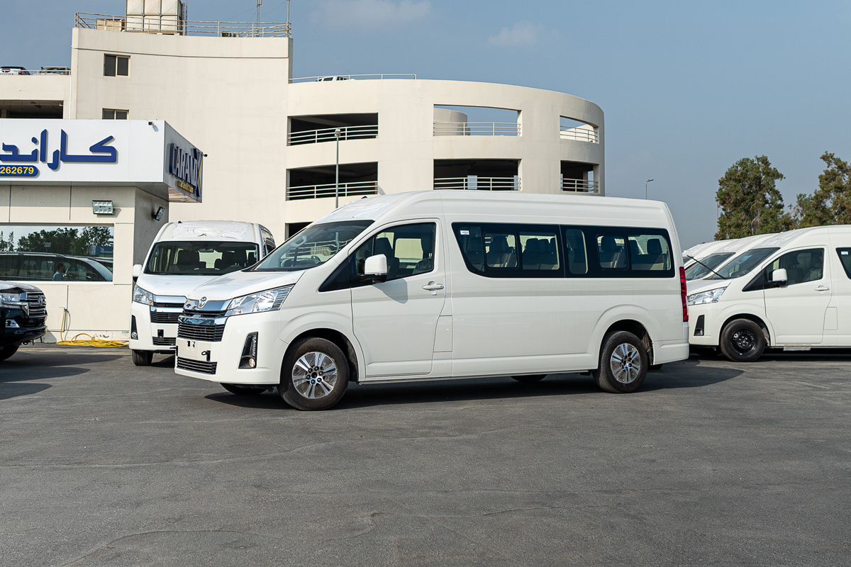 Toyota Hiace High Roof 14 Seater 2.8L Diesel Manual Transmission 2020
