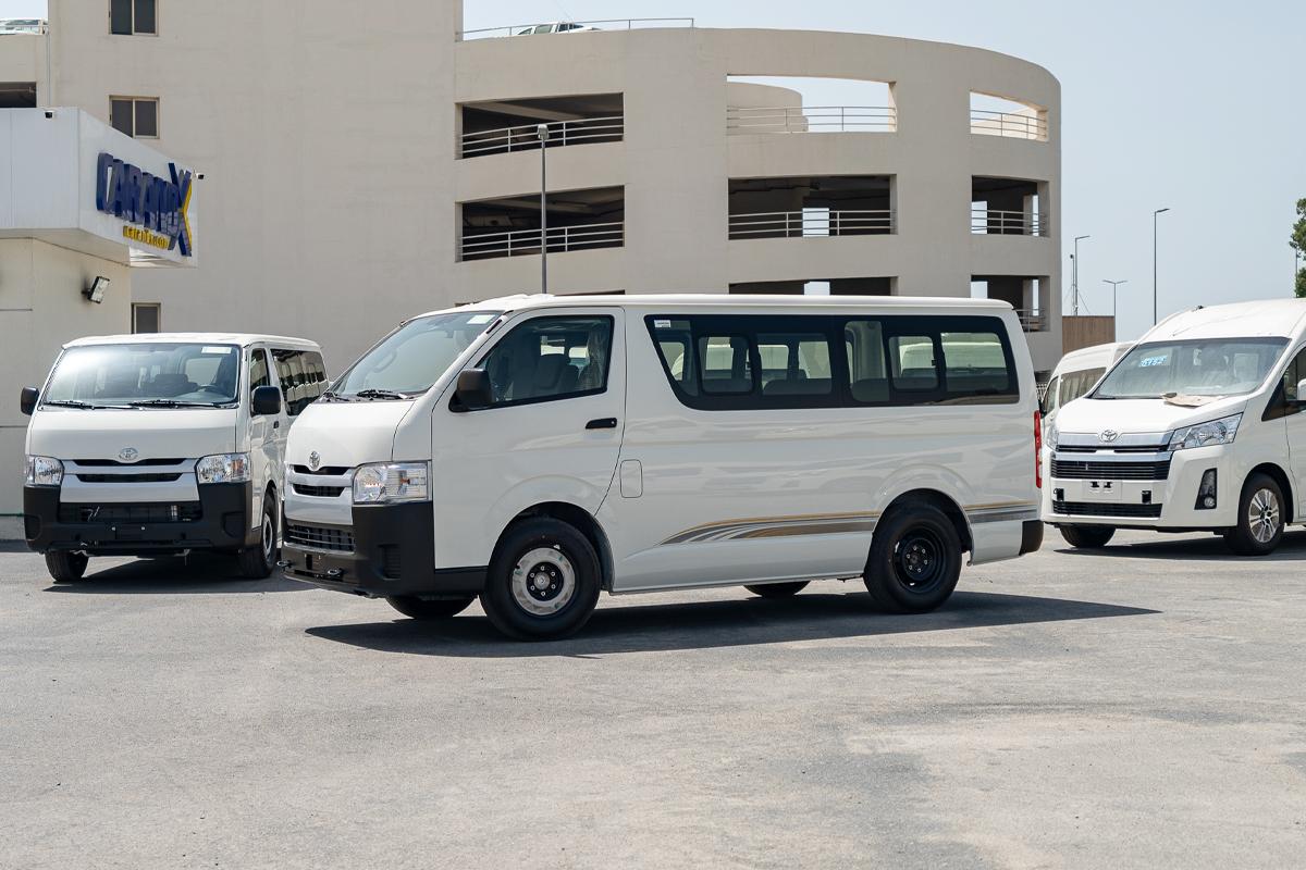 Toyota Hiace 15 Seater Standard Roof 2.5L Diesel Manual Transmission 2021