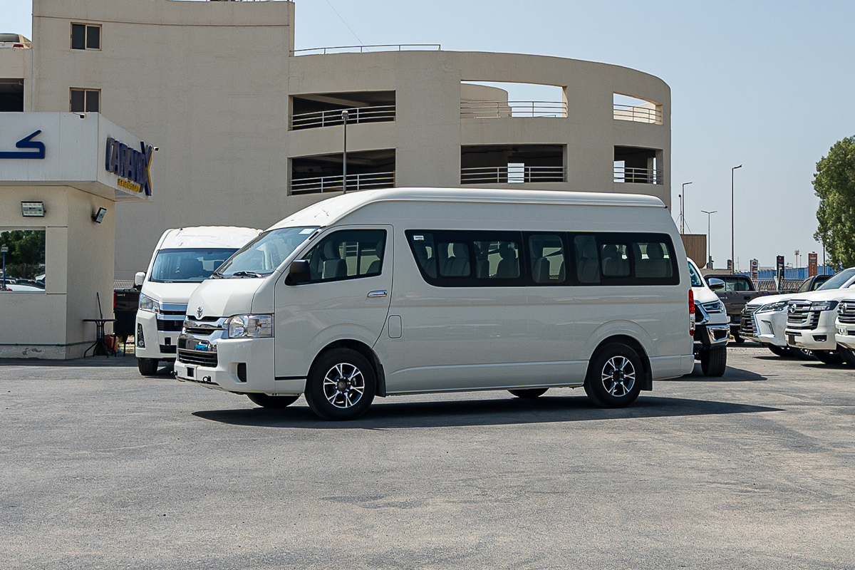 Toyota Hiace High Roof 15 Seater 2.5L Diesel Manual Transmission 2021